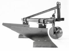 Плуг двухкорпусный навесной Скаут PL-230 для минитрактора