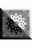 Черно-белая бандана фото