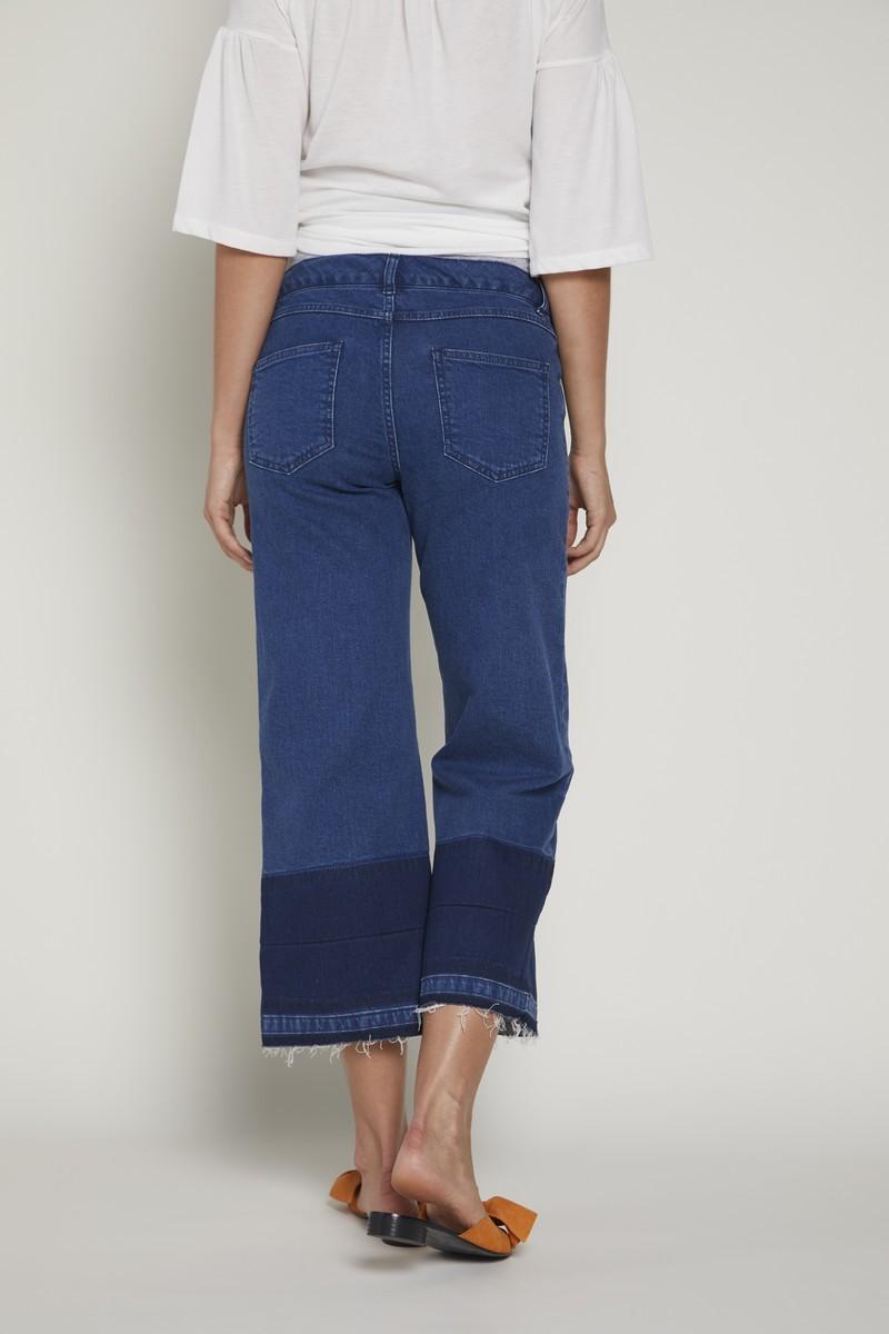 Фото джинсы для беременных GEBE, широкая укороченная модель, эластичный бандаж от магазина СкороМама, синий, размеры.