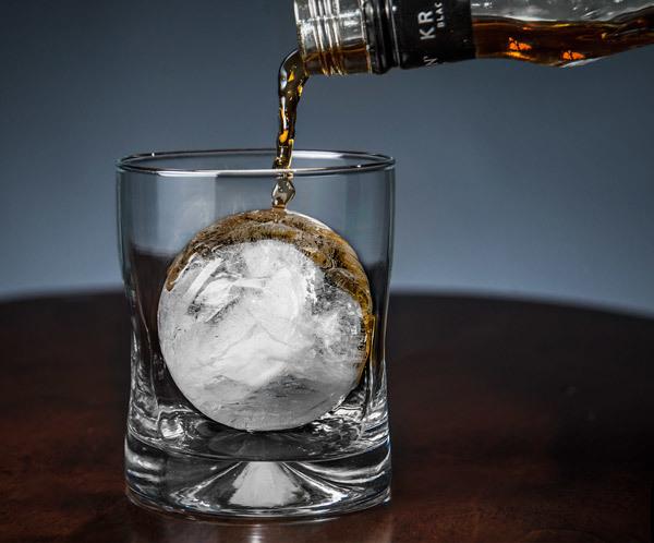Ice Ball необходим на любой вечеринке