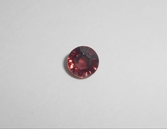 Циркон красный натуральный 6,5 мм круг