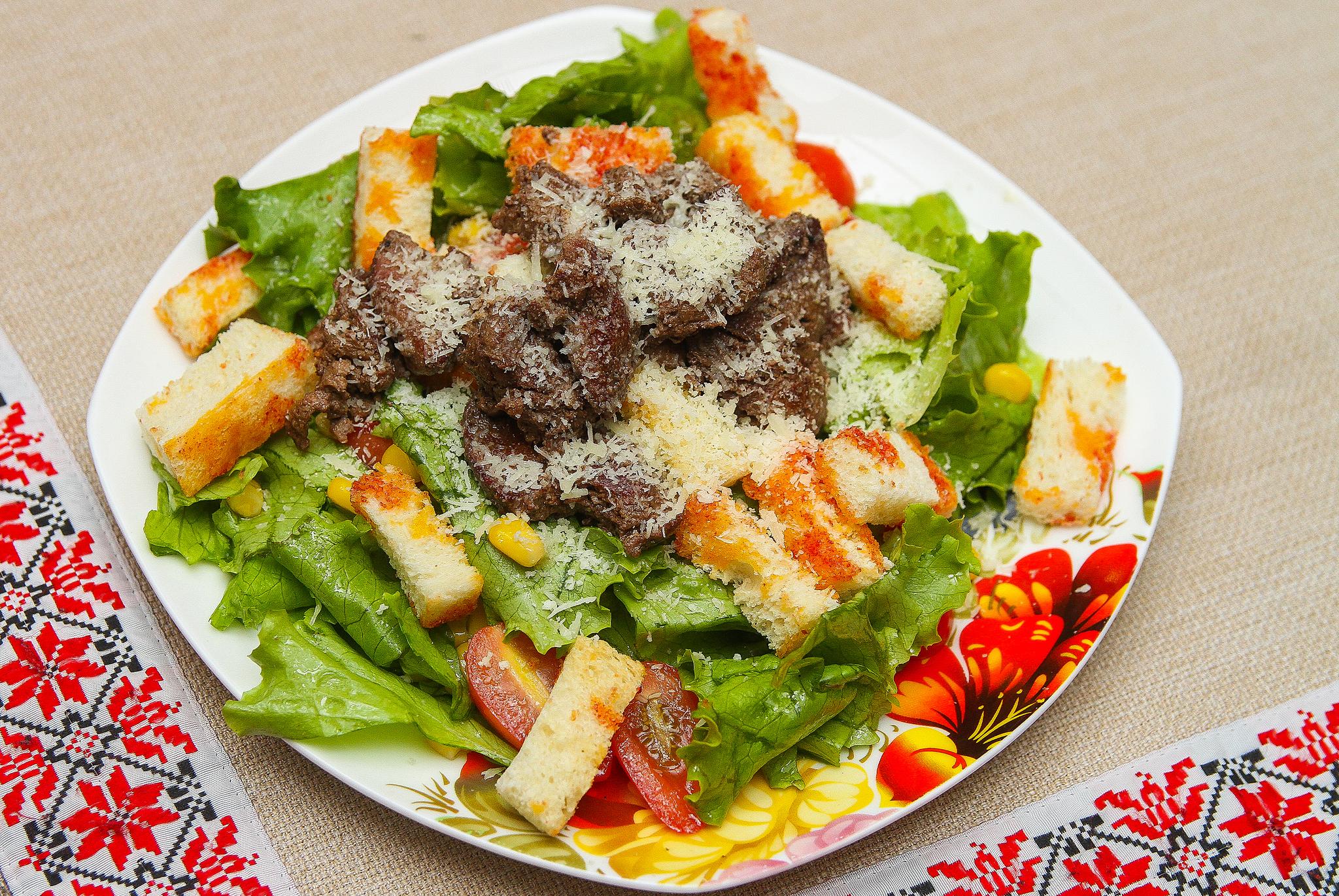 Горячий салат с куриной печенью