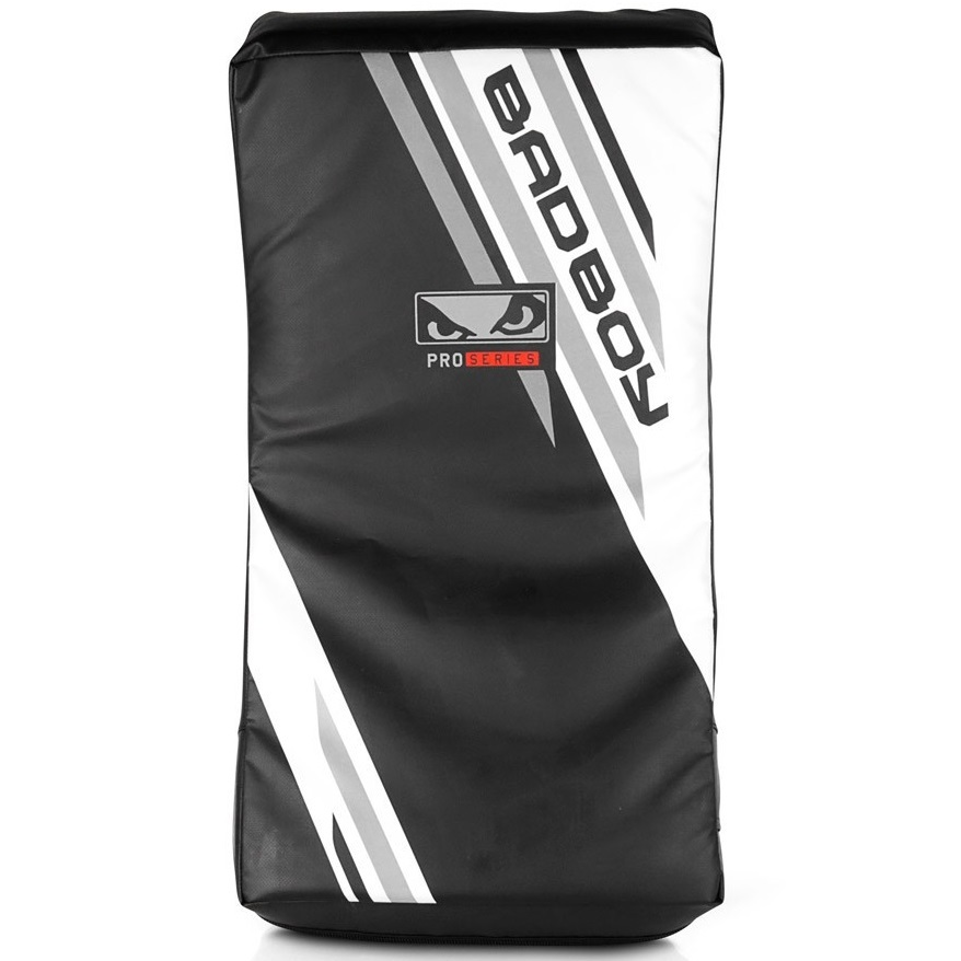 Макивары Макивара Bad Boy Pro Series Advanced Curved Kick Pad-Black/White& 1.jpg