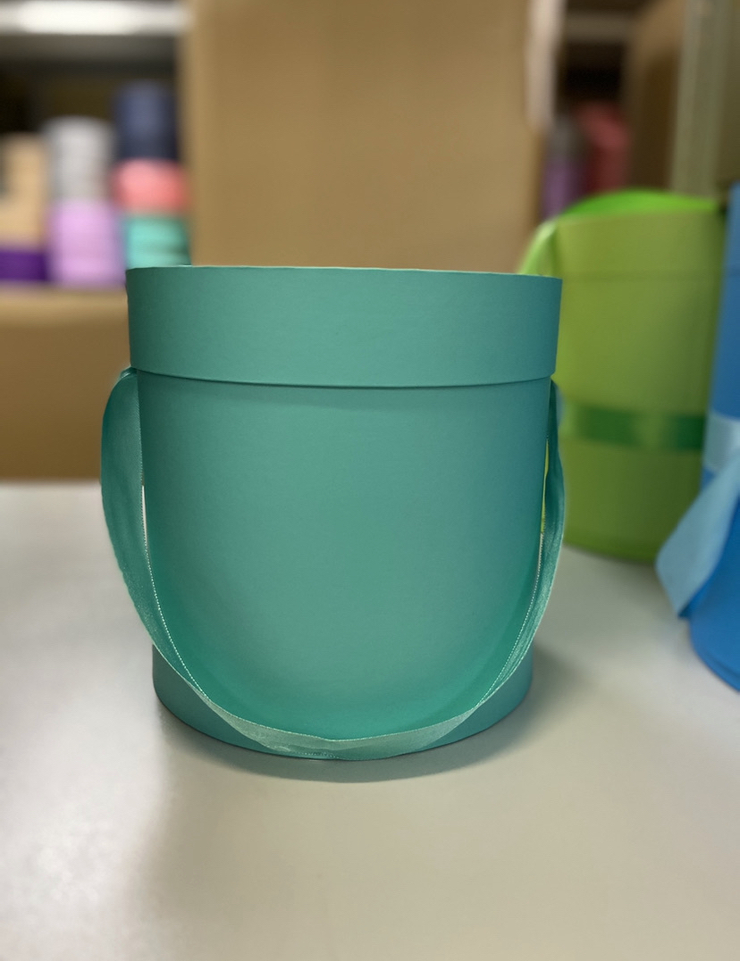 Шляпная коробка эконом вариант 20 см Цвет:Тиффани. Розница 400 рублей .