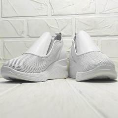 Белые слипоны кроссовки с перфорацией casual женские Derem 1761-10 All White.
