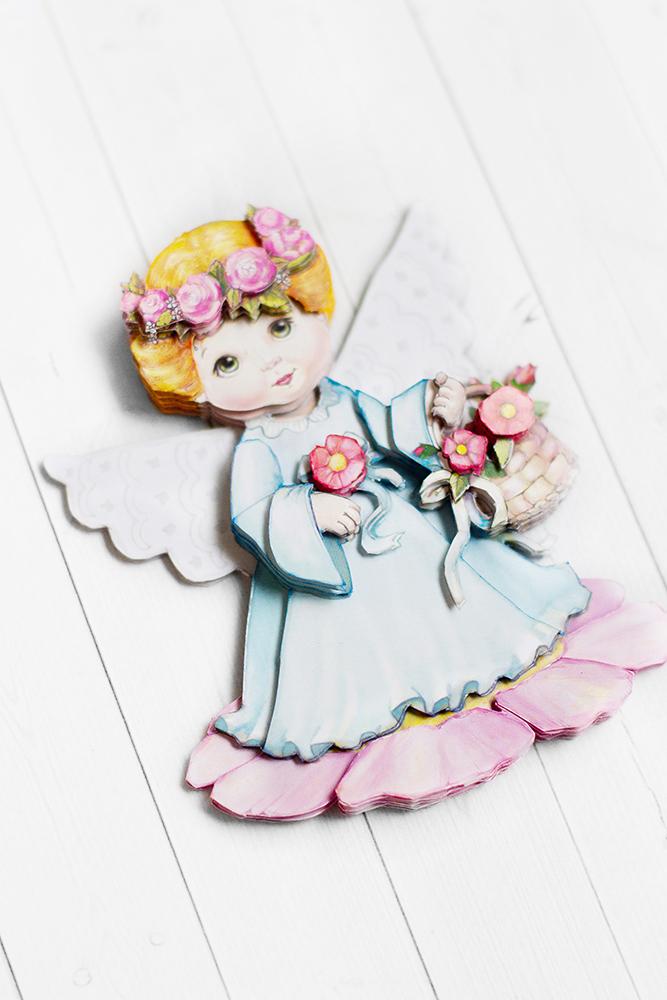 Ангел с цветами - готовая работа, вид сбоку.