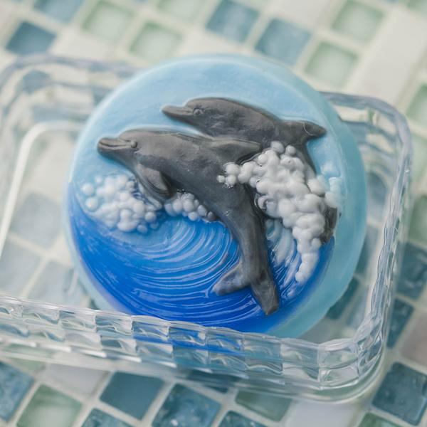 Пластиковая форма для мыла Море. Дельфины