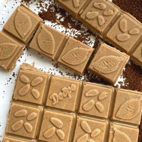 Белый шоколад на кокосовых сливках с кофе