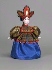 Сувенирная кукла в кокошнике-короне