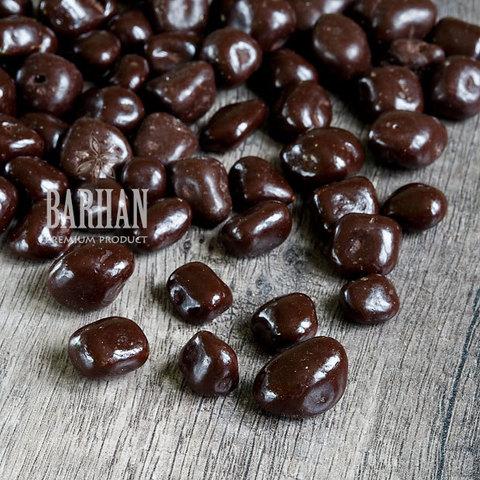 Ананас в темной шоколадной глазури