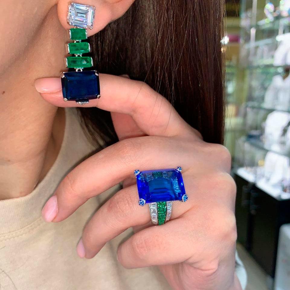 Кольцо с цирконом-багет и тройной дорожкой синий (серебро 925)
