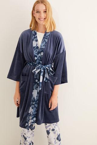 Довгий оксамитовий халат з принтом