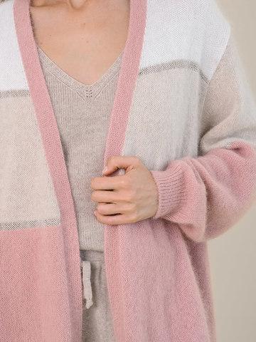Женский кардиган бежево-розового цвета из ангоры - фото 3