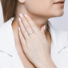 89010041 - Кольцо из серебра со SWAROVSKI