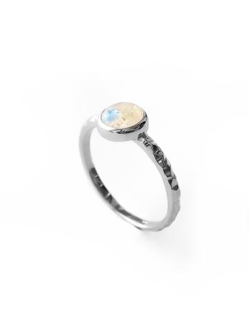 Серебряное узкое кольцо с лунным камнем