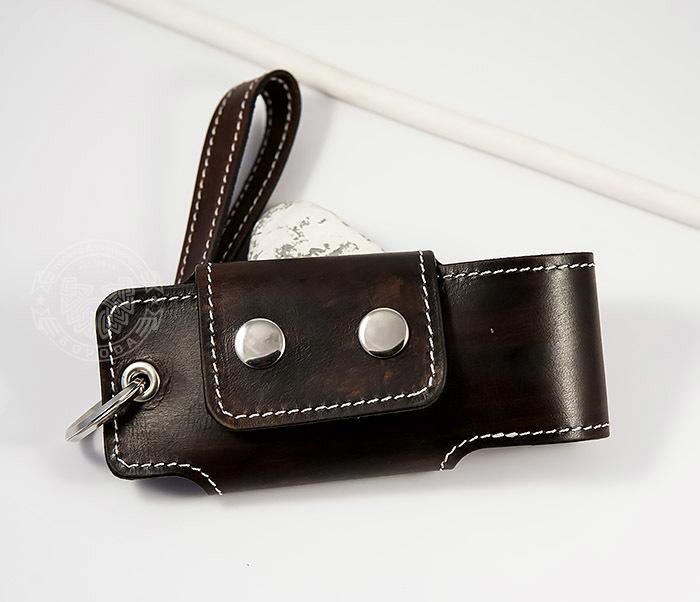 KK407-2 Мужская кожаная ключница ручной работы с ремешком