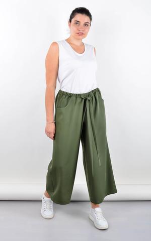 Клара. Офисные брюки плюс сайз. Олива.