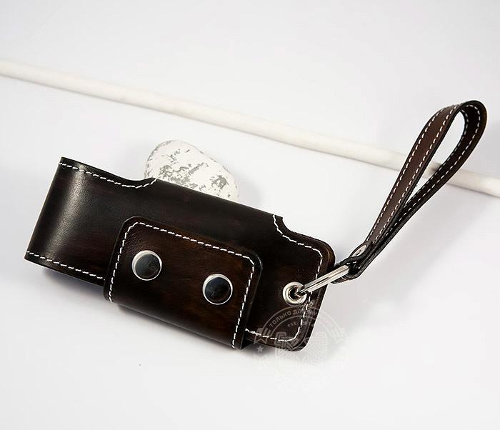 KK407-2 Мужская кожаная ключница ручной работы с ремешком фото 02
