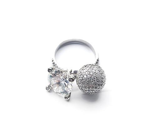 36020- Кольцо из серебра с двумя подвесками (шарик + каратник)