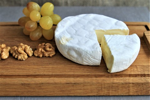 Сыр Камамбер Mini (вес) - мягкий с плесенью ЭКО ВИЛЛАДЖ СЫРЫ 1кг