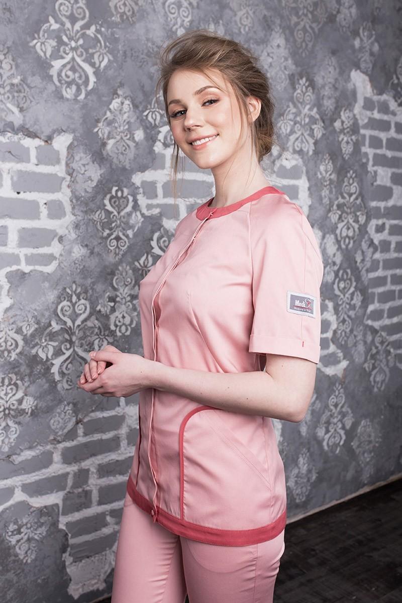 Пудрово розовая блуза