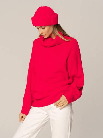 Женский комплект из свитера и шапки ярко-розового цвета - фото 1