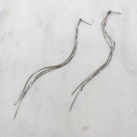 Серьги-подвески из тонких длинных цепочек (серебристый)