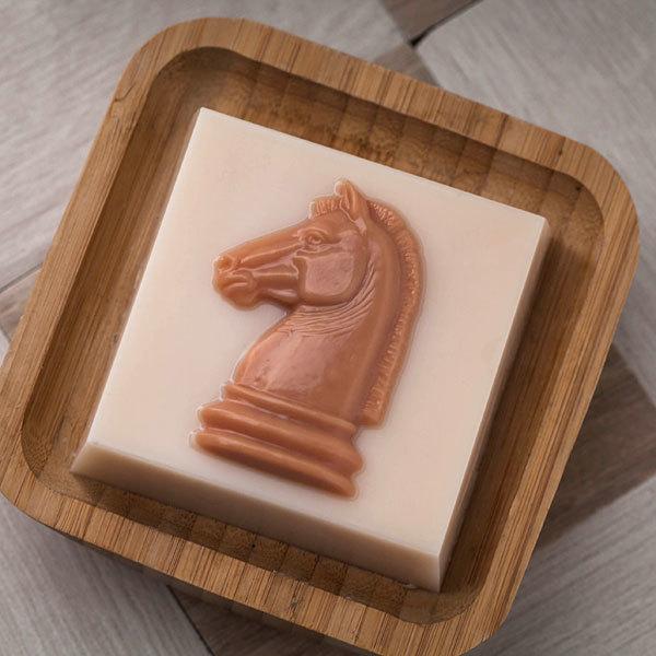 Пластиковая форма для мыла Шахматный конь