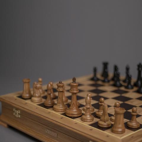 Шахматы «Стаунтон» малые - светлый дуб / мореный дуб