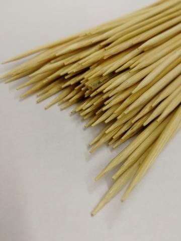 Деревянные шпажки (размер: H30 см х d2,5 мм), упаковка 100 шт.