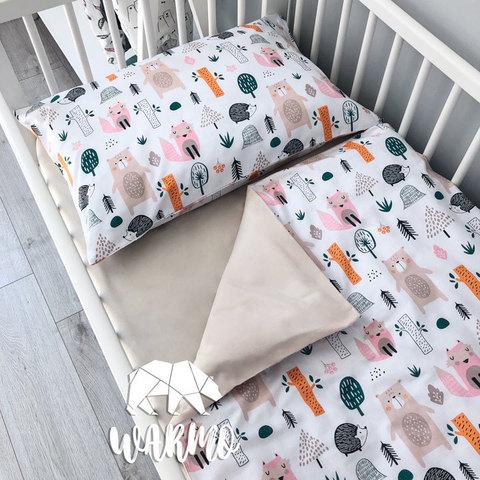 Дитяча постіль з лісним малюнком фото