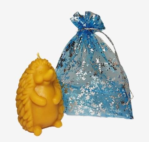 Свеча восковая Ёжик в подарочном мешке