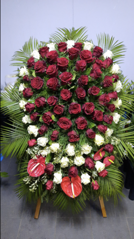 Венок из живых цветов заказной ВЖ-24