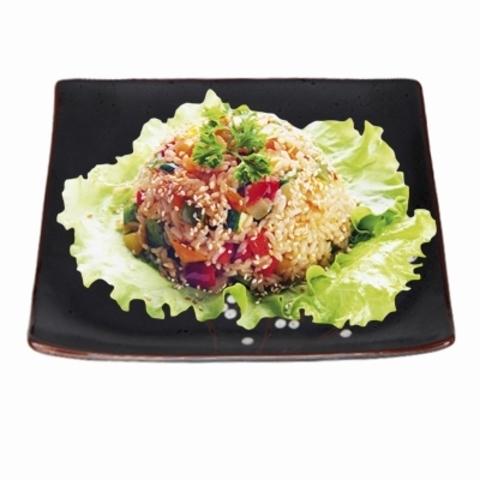 Рис с яйцом и овощами (фирменный соус)