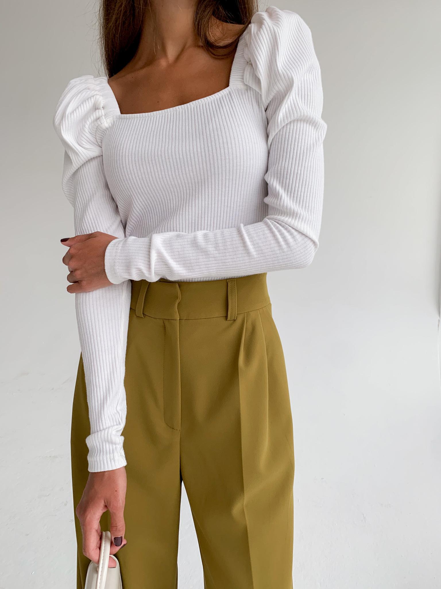 Кофточка с квадратным вырезом и пышным рукавом (белый)