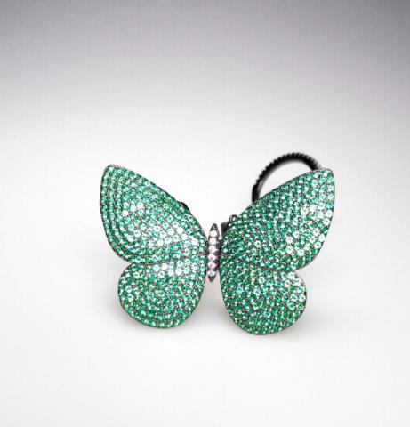 Кольцо c двигающейся бабочкой из серебра с зелеными микроцирконами