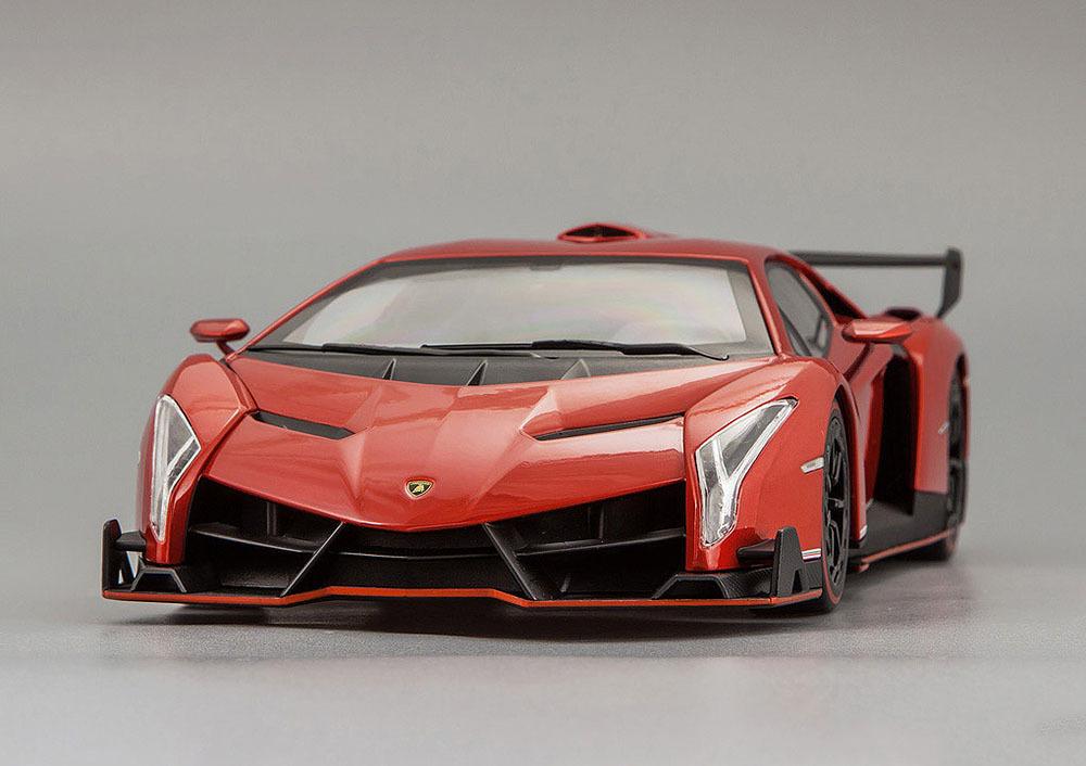 Коллекционная модель Lamborghini Veneno 2014 Red Metallic