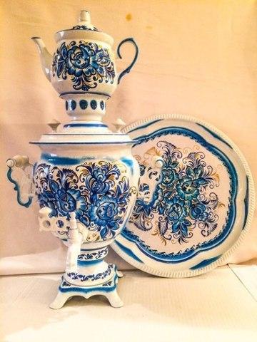 Самовар электрический трехлитровый в наборе с подносом и чайником с художественной росписью «Золотая гжель»