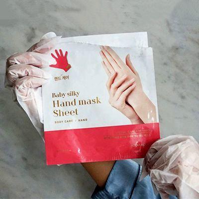 Увлажняющая маска-перчатки для рук и ногтей Holika Holika Baby Silky Hand Mask Sheet