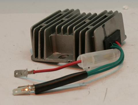 Блок заряда аккумулятора DDE DPG7201i 12v/10A