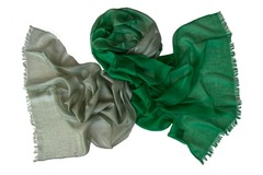 Кашемировый палантин двухцветный серо-зеленый