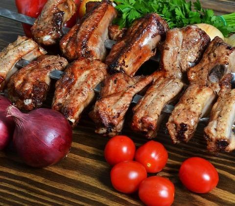 Шашлык из свиных ребер (100 гр)