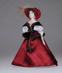 Сувенирная кукла в платье для прогулок