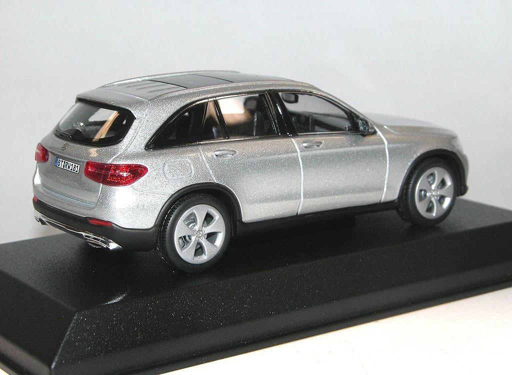Коллекционная модель Mercedes-Benz GLC 2015