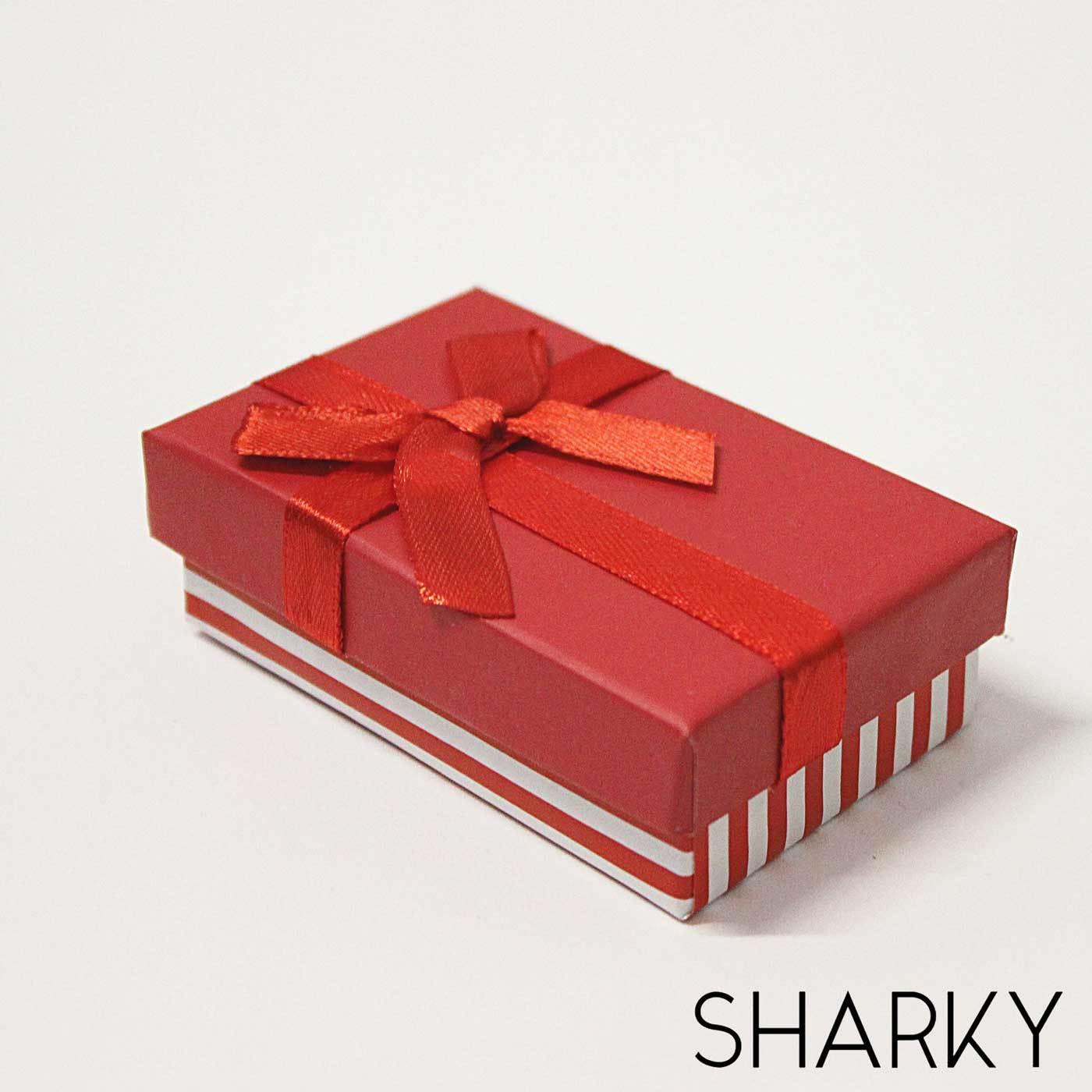 Подарочная коробочка красная с полосками