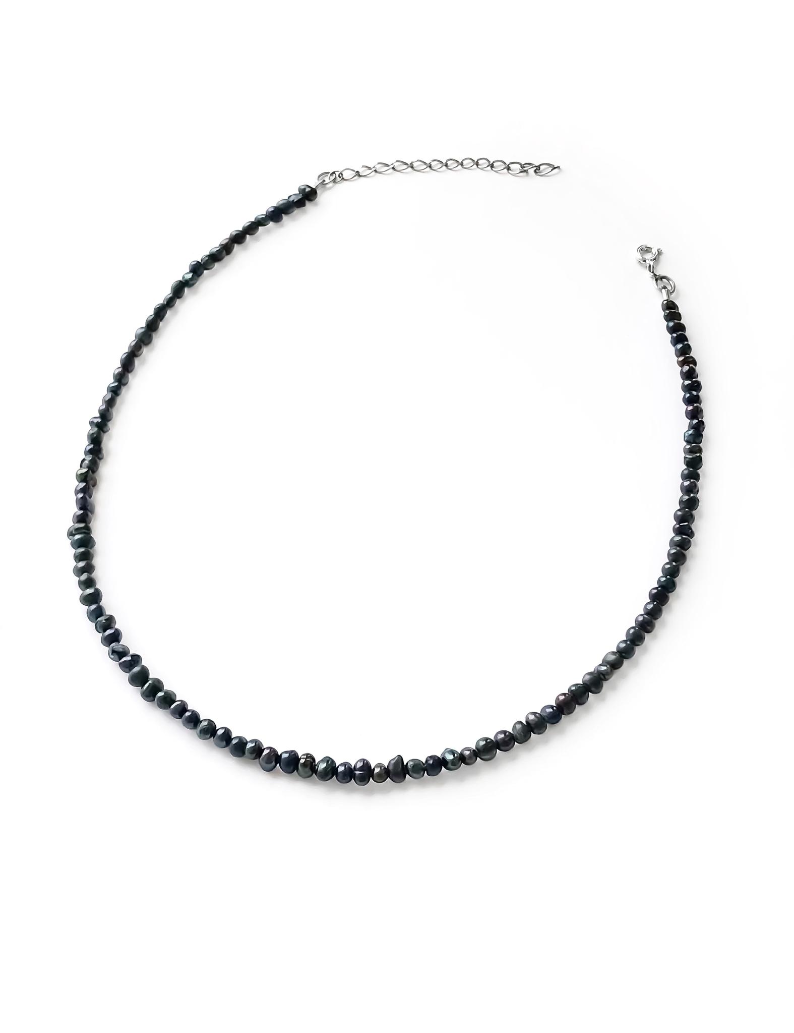 Серебряное колье-чокер с черным культивированным жемчугом