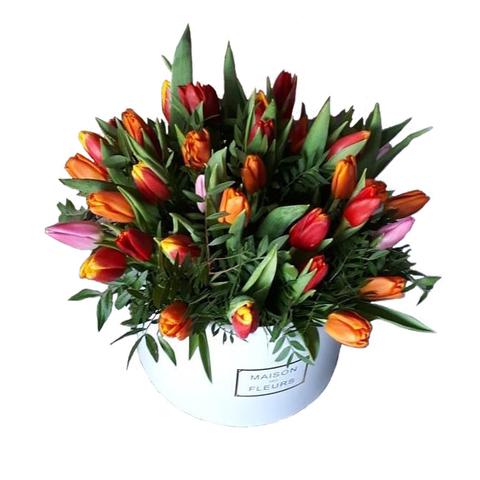 Коробка с тюльпанами 1
