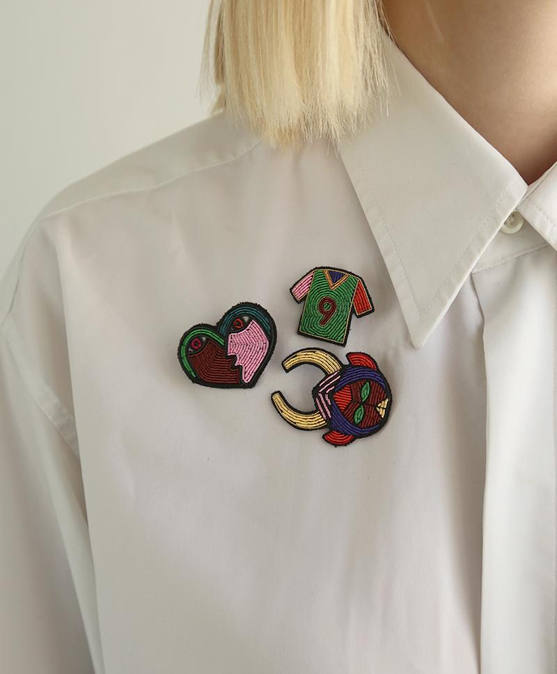 Брошь Funky Shirt