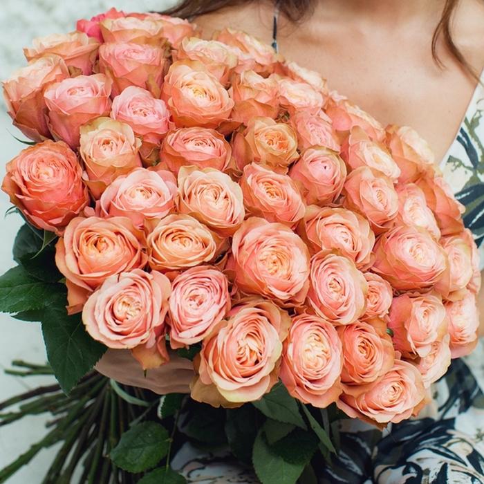 Букет пионовидных роз Кахала. 51шт
