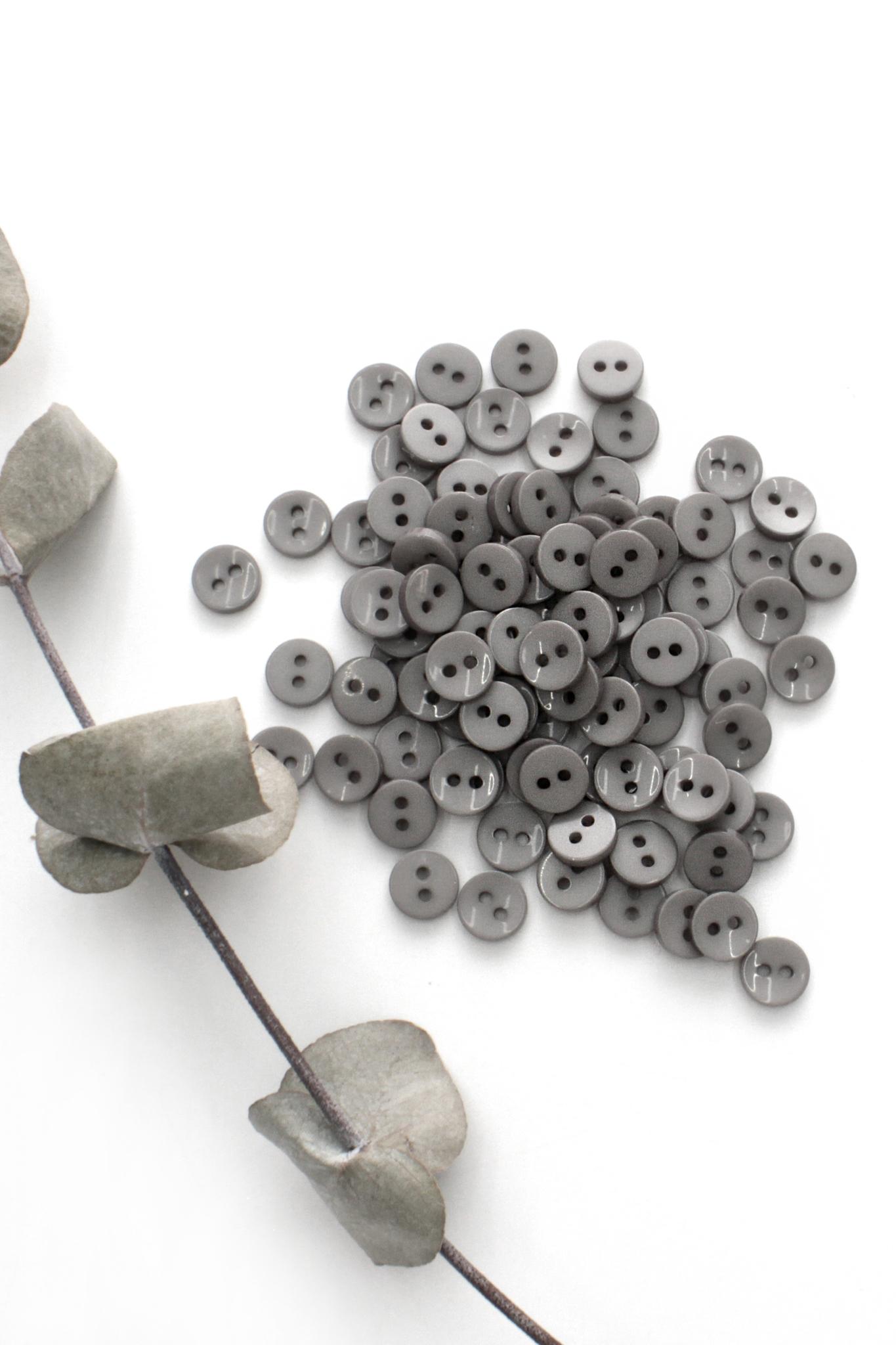 Пуговица,пластик,серый,8 мм